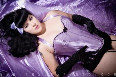 Pin up in Purple