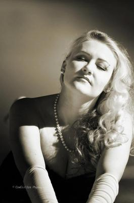 Old Hollywood glamour Cowgirlzen Photography
