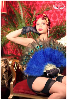 photo/set design: Viva Van Story MUAH: PinMeUp Hair, The Glitterbug