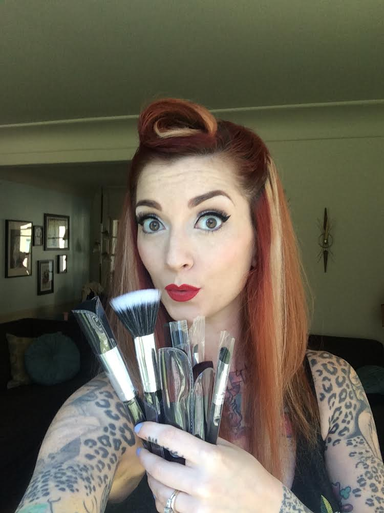 pin up passion makeup brush set