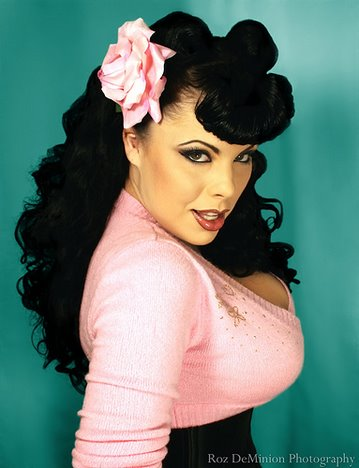 Pin Up Hair Accessories - Know how to make your pin up ...