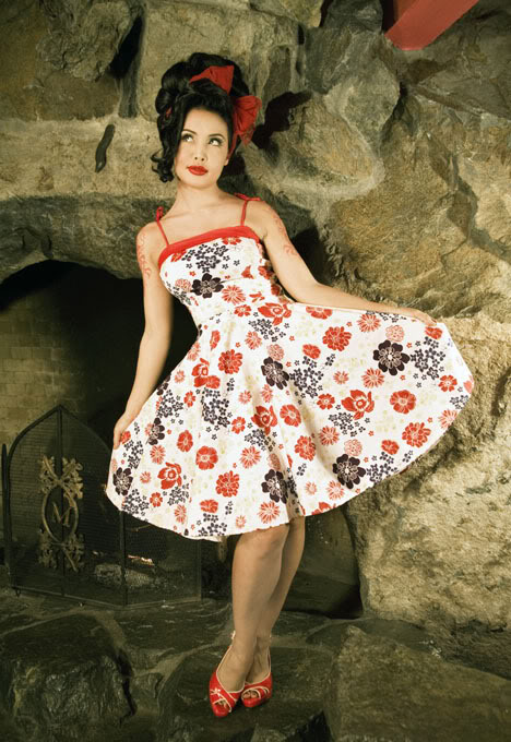 Summer fashion for pin up girls for Wedding dresses pin up style