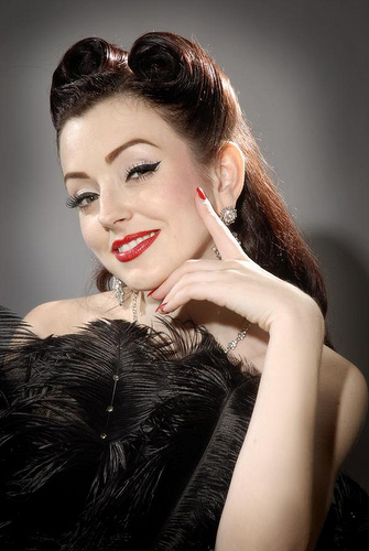 Pin Up Hair - Easy Steps to Achieve the Head Turning Look