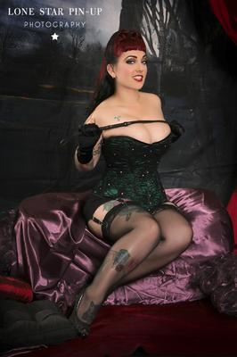 VERONICA VIRGO by Lone Star Pin-Up MUAH Blood & Glitter Makeup